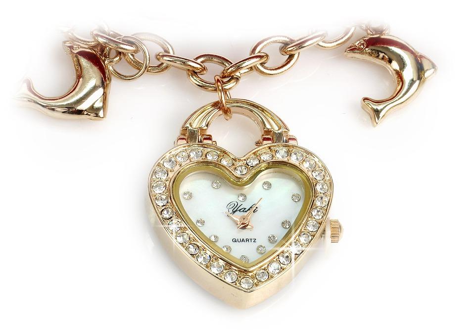 heart-shaped-jewelry-abla